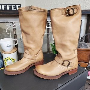 New Frye veronica slouch (Camel)